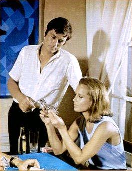 Alain Delon et Romy Schneider dans La piscine