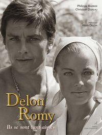 00F2015601984010-photo-delon-romy-un-livre-qui-retrace-l-histoire-de-romy-schneider-avec-alain-delon