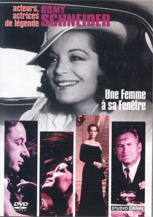 Femmefenetre-2005