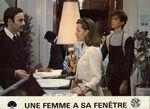 Femme fenetre - LC France (25)