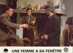 Femme fenetre - LC France (32)
